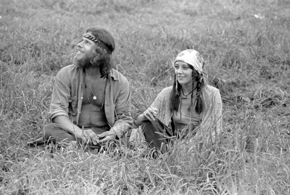 Baron-Wolman-Couple-Grass-2.jpg