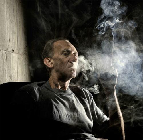 Claudio-Napolitano_smoking_1.jpg