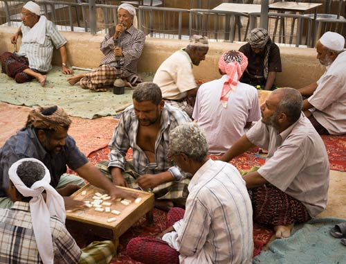 Don_Whitebread_Dominos-in-Shibam.jpg