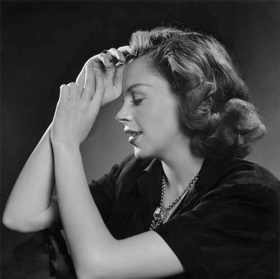 Karsh-Garland-Judy-1946.jpg