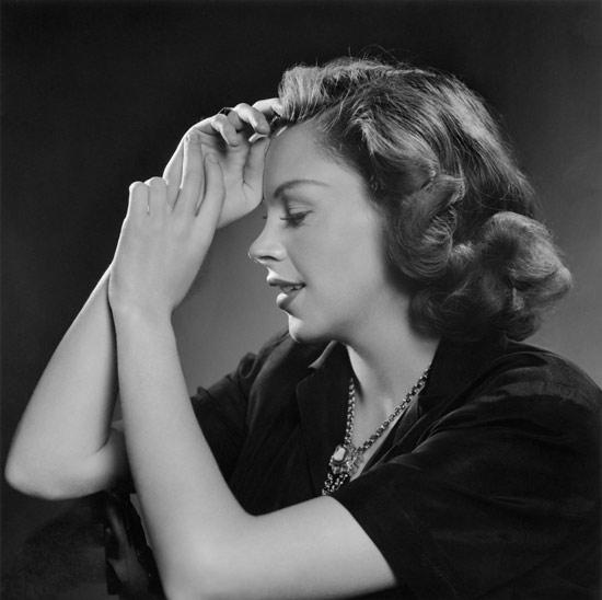 Karsh-Garland-Judy-1946.jpg