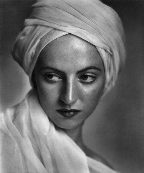 Karsh-Low-Betty-1936.jpg