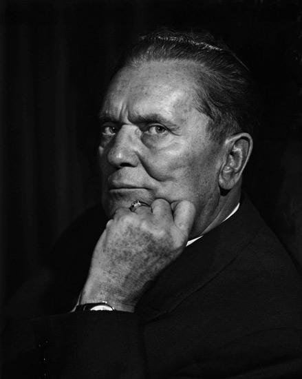 Karsh-Tito-Marshhall-Josip-Broz-1954-03.jpg