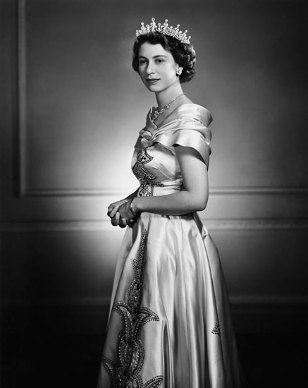 Karsh_Queen_Elizabeth_1951.jpg