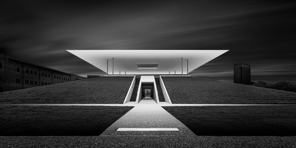 Mabry_Campbell_Honoring-I---The-Time-Dynamic---James-Turrell-Skyspace_Houston,-Texas-2015.jpg