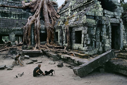 Steve_McCurry_Caretaker-Cambodia.jpg