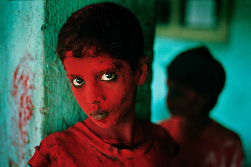 Steve_McCurry_boy-ganesh-festival.jpg