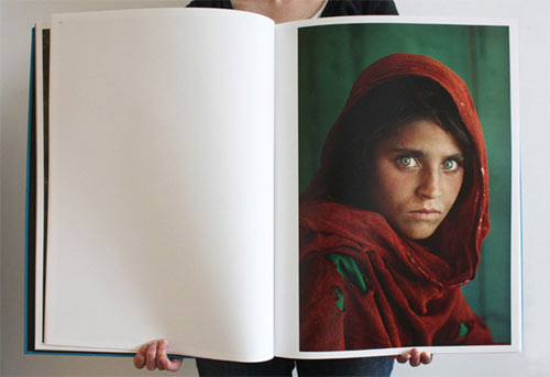 Steve_McCurry_open-book-afghan-girl.jpg