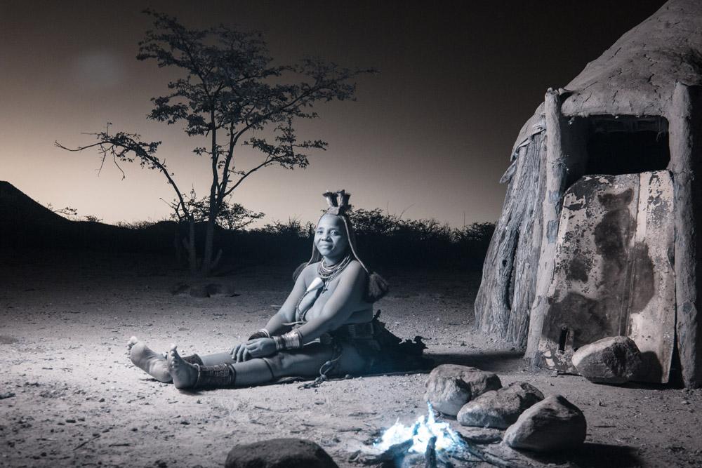 Terri-Gold_HimbaWomenFirelight_3.jpg