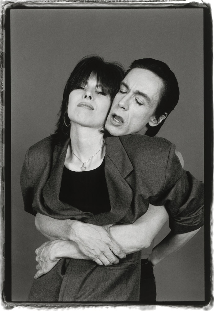 Chrissie Hynde and Iggy Pop, NYC, 1987 © Laura Levine