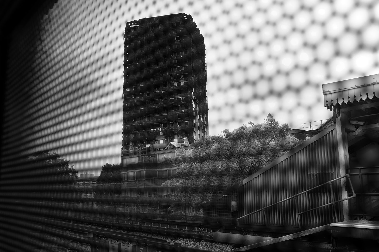 Grenfell Tower seen from Latimer Road tube station.