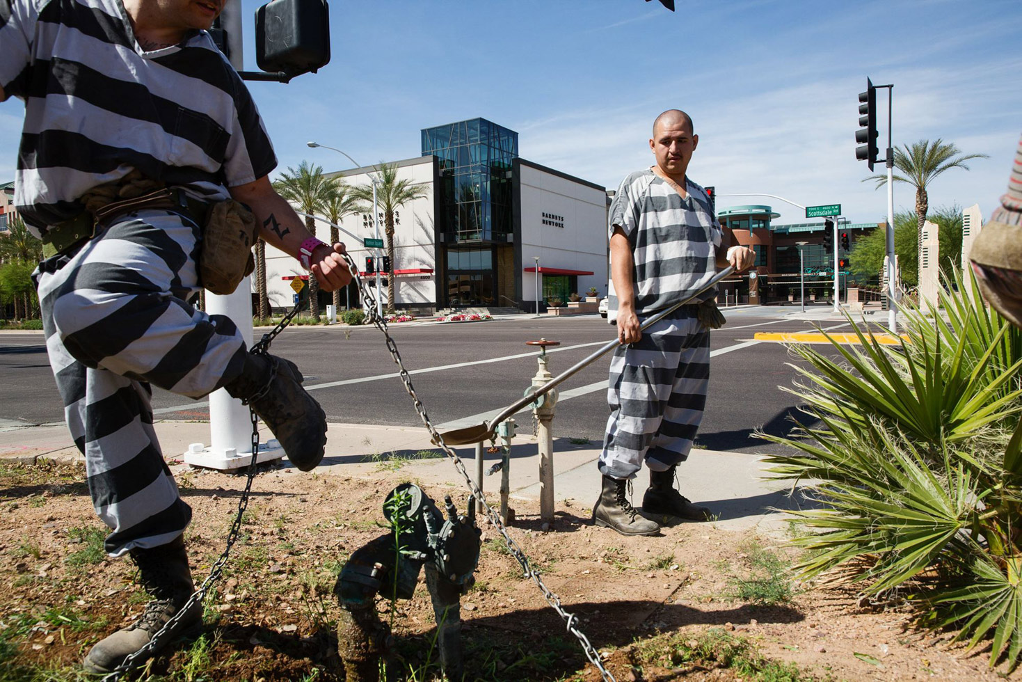 Chained inmates working in Phoenix.
