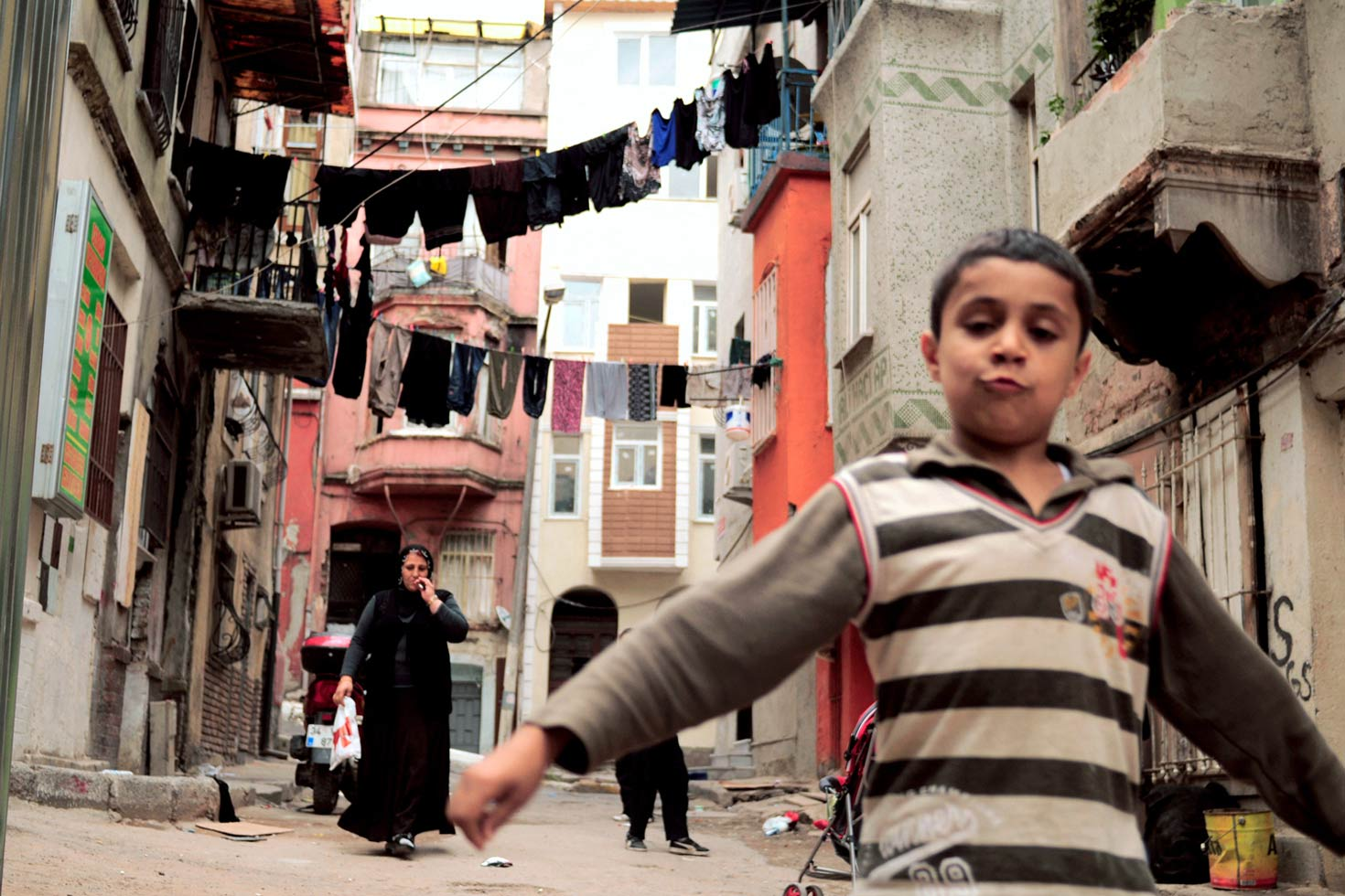 This is a joint project by Marianna Francese & Jaad Gaillet about Tarlabasi, a neighbourhood in the Beyoglu district in Istanbul, Turkey, that dates back to the 16th century. Located a few minutes from the famous Taksim Square and Gezi Park, it was in the labyrinthine streets of Tarlabasi that the protesters refuged from the police during the last months of protests.