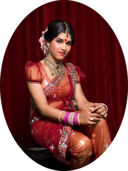 Shreya, 26. At the age of four, Shreya began to mimic the classical female dancers on television. Her mother agreed to enroll her in dance classes. As a dancer she dressed as a boy until she was nine, then switched to girls' costumes. At twenty-one she realized that she could fulfill her dream of becoming a woman and had her first operation. She felt that she was in the right place for the first time in her life. In order to earn money for further surgeries she became an escort. When Shreya returns to visit her family in their small village she has to wear a burqa, even though they are not Muslim. Her mother does not want any of the neighbors to recognize her.