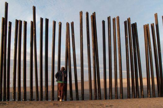 Stefan Falke: La Frontera Artists creating on the perimeter  Border fence in Playa Tijuana