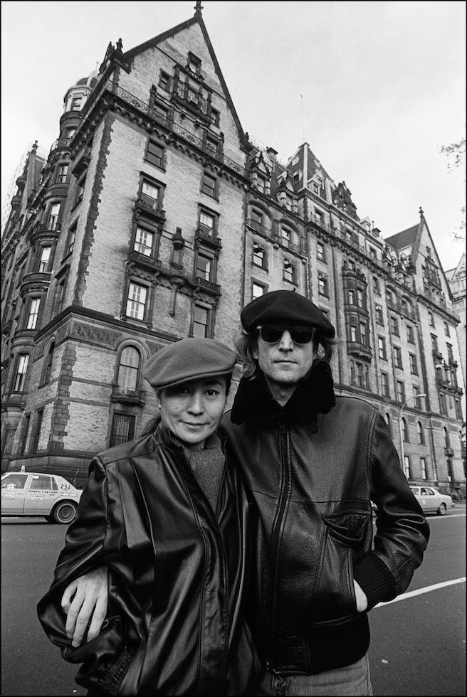 "Allan Tannenbaum  ""John Lennon and Yoko Ono in front of the Dakota, New York"" 1980  Gelatin silver print. Museum of the City of New York. Museum purchase."